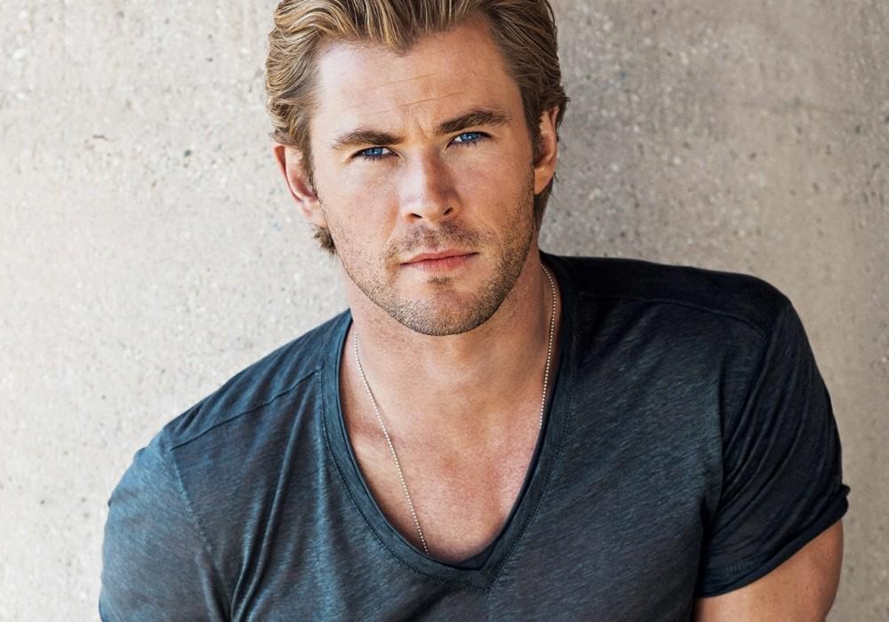 If You're Going to Wear a V-Neck T-Shirt, Do It Like Chris Hemsworth